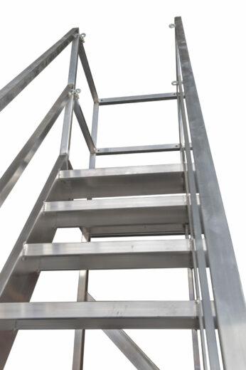 Leuningwerk Verrijdbare Bordestrap ALGA Volledig Gelast. Aluminium Constructie Op Maat Gemaakt